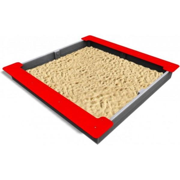 Bac à sable carré avec bancs