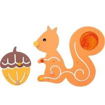 Jeu mural d'éveil écureuil